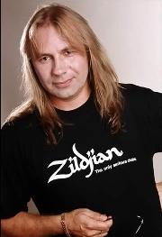 Александр Манякин